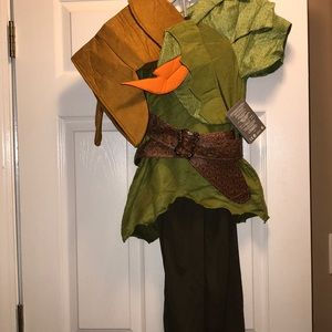 NWT Disney store Peter Pan costume size 7/8